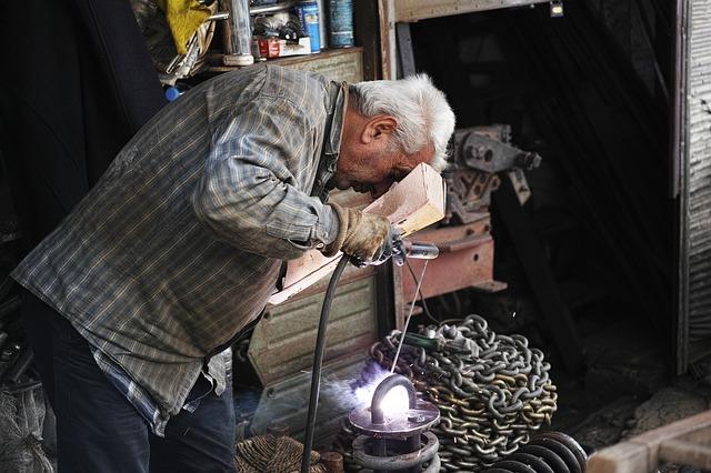 Garage senior Fix Worker car Karakuri Kaizen